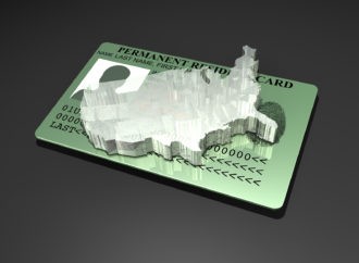 Администрация США выпустила 12 августа распоряжение с ужесточением правил выдачи грин-карт.