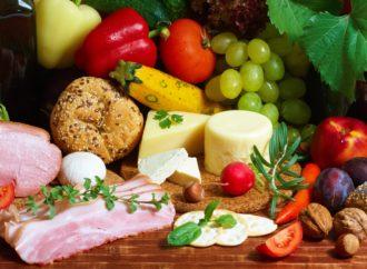 Саратовцы стали есть больше мяса, молока и фруктов, и меньше – булок, сахара и масла