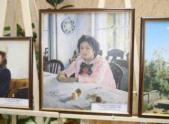 Проживающие Энгельсского дома-интерната увидели шедевры Третьяковской галереи