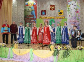В Энгельсском доме-интернате прошли концертные программы с весенним настроением.