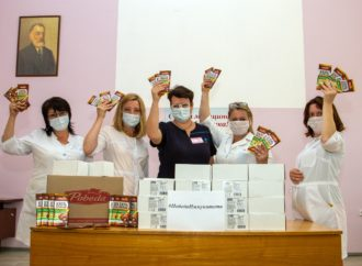 КФ «Победа» поддерживает саратовских врачей шоколадом для укрепления иммунитета