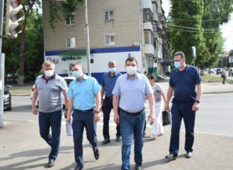 Глава Саратова проинспектировал ремонтные работы в Заводском районе