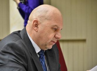 Олег Комаров : бизнес и молодежь вынуждены бежать из Саратова из-за хамства чиновников