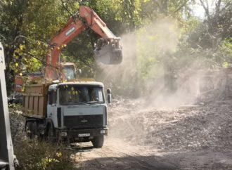 В Саратове продолжаются мероприятия по демонтажу ветхого и аварийного жилья