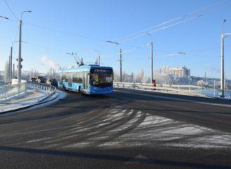По Трофимовскому путепроводу пошли троллейбусы