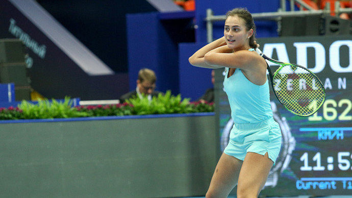 Уроженка Саратова Анастасия Гасанова одержала победу над шестой ракеткой мира Каролиной Плишковой