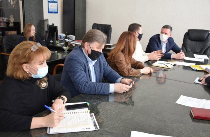 Состоялось совещание по вопросу увековечивания памяти героев Российской Федерации на территории Саратова