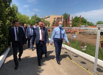Губернатор поблагодарил коллектив Энгельсскогодома-интерната за труд