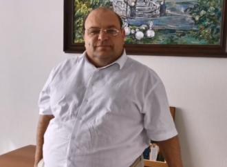 Министр здравоохранения Саратовской области Олег Костин поздравляет коллег с Днем медицинского работника