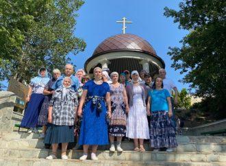 Паломники из Энгельсского дома-интерната посетили Свято-Никольский женский монастырь