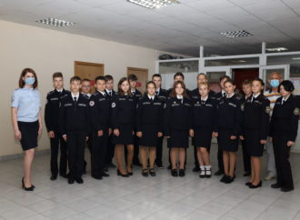 В Саратове сотрудники транспортной полиции проводят мероприятия для учащихся